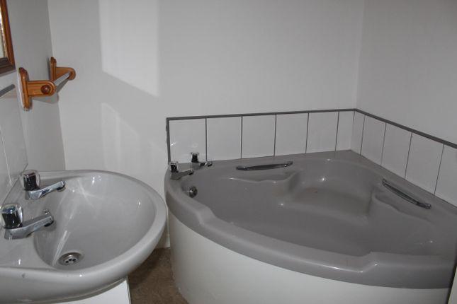 Bathroom of Main Street, Dundee, Tayside DD3