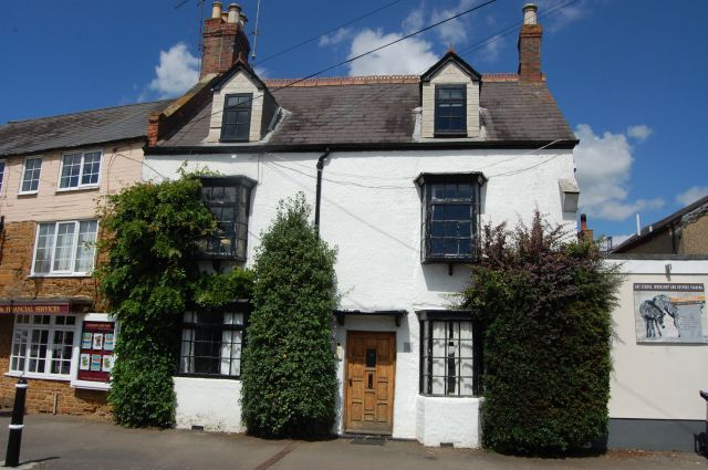 Thumbnail Cottage for sale in Market Place, Long Buckby, Northampton