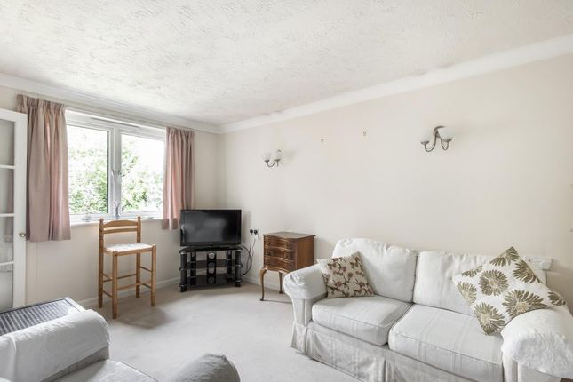 Living Area of Chesham Road, Amersham HP6