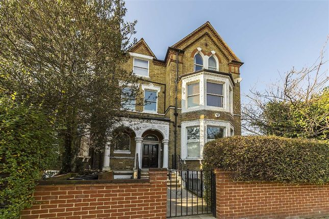 2 bed flat for sale in Cavendish Road, London