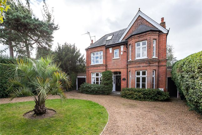 5 bed detached house for sale in Hanworth Road, Hampton