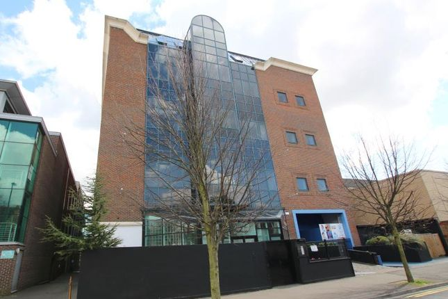 Thumbnail Flat to rent in Park Road, Peterborough