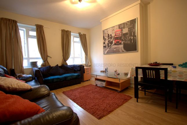 Thumbnail Flat to rent in Whites Square, London
