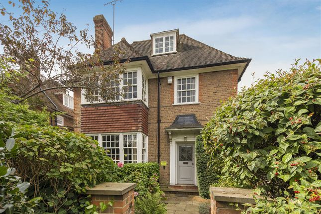 Thumbnail Cottage for sale in Heathgate, London
