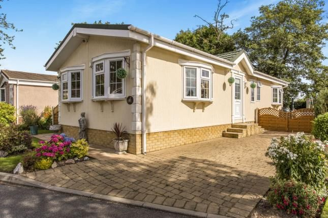 Thumbnail Mobile/park home for sale in Brookfield Park, Old Tupton, Chesterfield, Derbyshire