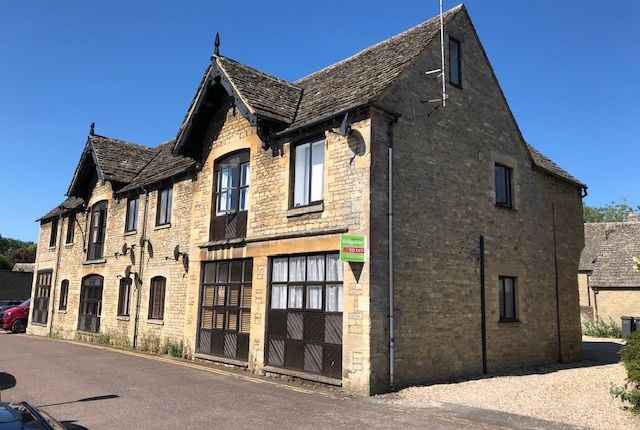 3 bed flat to rent in Sherborne Street, Lechlade GL7