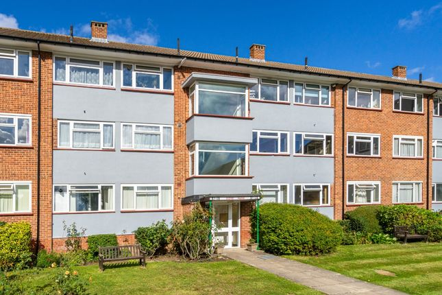 2 bed flat for sale in Dove Park, Pinner HA5