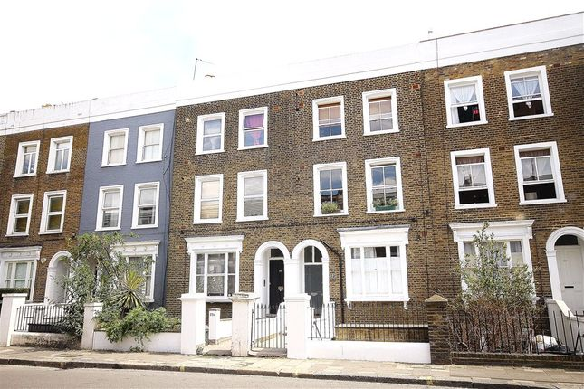 1 bed flat for sale in Askew Road, London