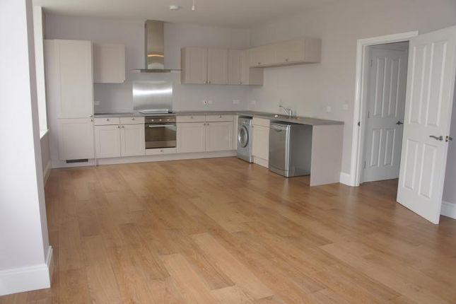 Thumbnail Flat to rent in Stratford Road, Liverpool