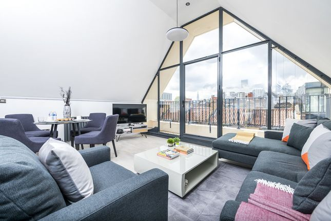 Thumbnail Flat to rent in Turner Street, Whitechapel, London