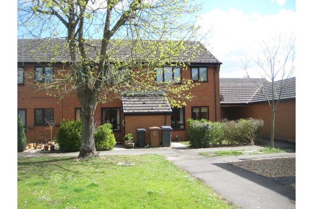 Thumbnail Maisonette to rent in Greenwood Close, Romsey