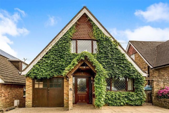 Thumbnail Detached house to rent in Trees Road, Hughenden Valley, High Wycombe