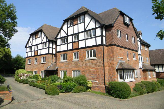 Thumbnail Flat to rent in Marlborough House, Graemesdyke Road, Berkhamsted