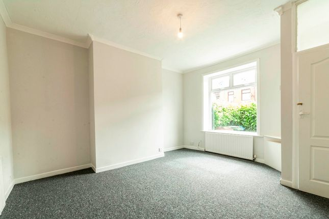 Thumbnail Flat to rent in Hebron Street, Royton