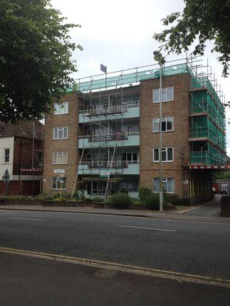 Thumbnail Flat to rent in Radnor Park Road, Folkestone
