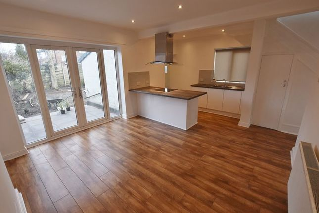 3 bed semi-detached house to rent in Kingsway, Pendlebury, Swinton, Manchester