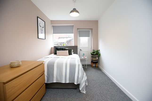 3 bed property to rent in John Street, Droylsden, Manchester M43
