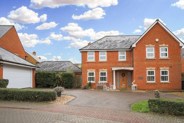 Thumbnail Detached house for sale in Cae Canol, Penarth