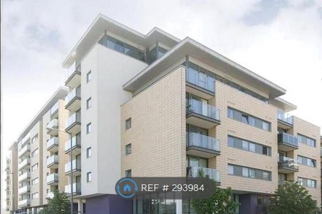 2 bed flat to rent in Ebb Court, London