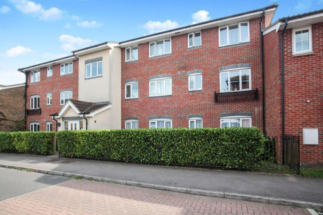 Thumbnail Flat for sale in Kiln Way, Dunstable