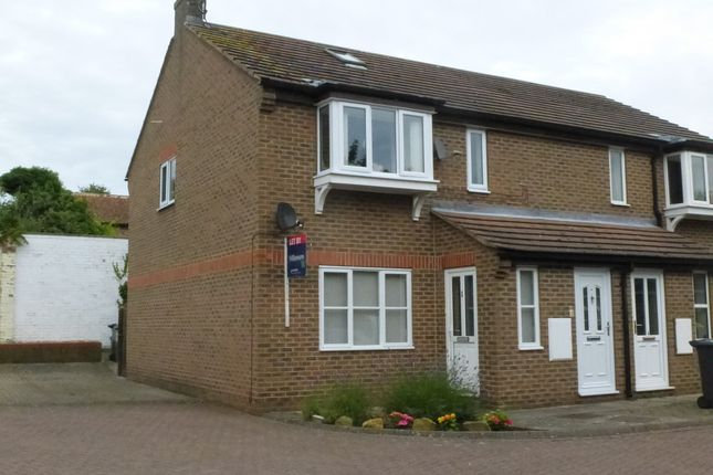 Thumbnail Flat to rent in Carpenters Court, Easingwold, York