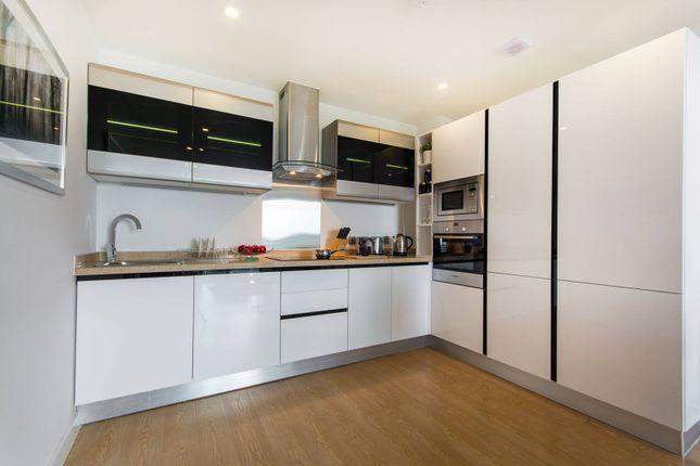 Thumbnail Flat for sale in Newgate Tower, Croydon