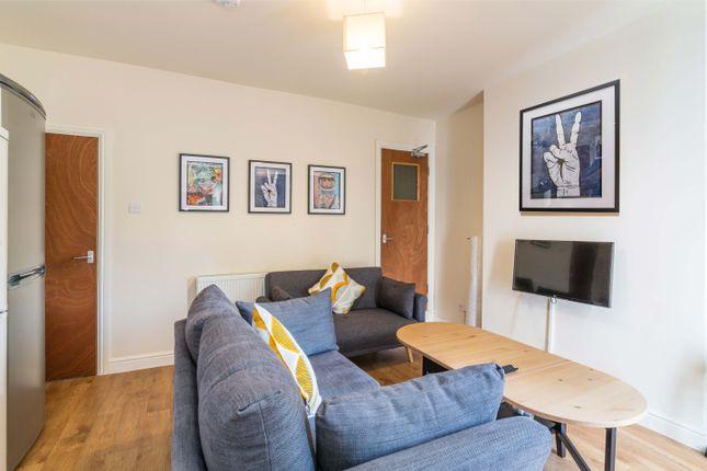 Thumbnail Shared accommodation to rent in Mona Street, Beeston