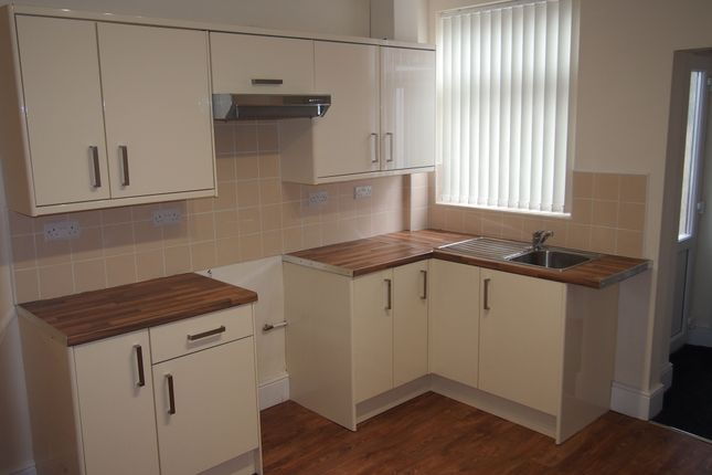 2 bed terraced house to rent in Whittier Road, Sneinton, Nottingham NG2