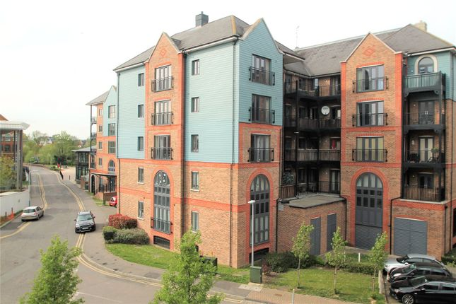 Thumbnail Flat for sale in Waterway House, Medway Wharf Road, Tonbridge