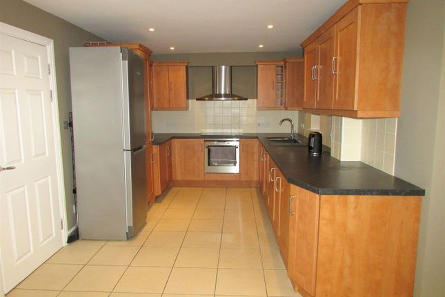 2 bed maisonette to rent in Wellowgate Mews, Grimsby DN32