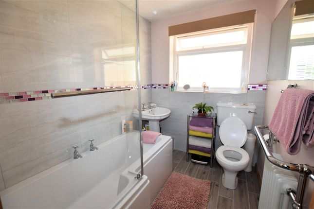 Bathroom of Bankside, Northampton NN2