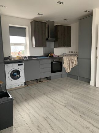 1 bed flat to rent in Portland Road, South Norwood, Norbury, Croydon SE25