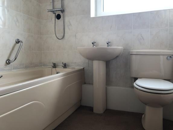 Bathroom of Wain Court, Livingstone Road, Blackburn, Lancashire BB2