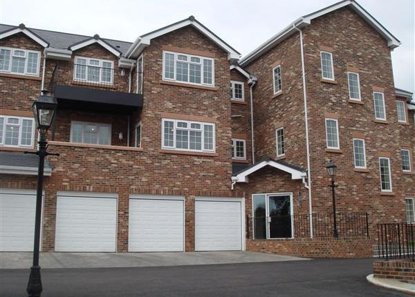 Thumbnail Flat to rent in Luxury Apartment, Woodford, Hillside Drive, Woolton, Liverpool 25