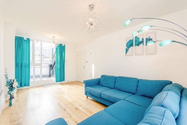 Thumbnail Flat for sale in North Gower Street, Euston