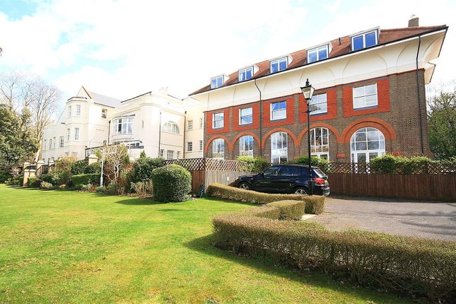 2 bed flat for sale in Games Road, Cockfosters, Barnet