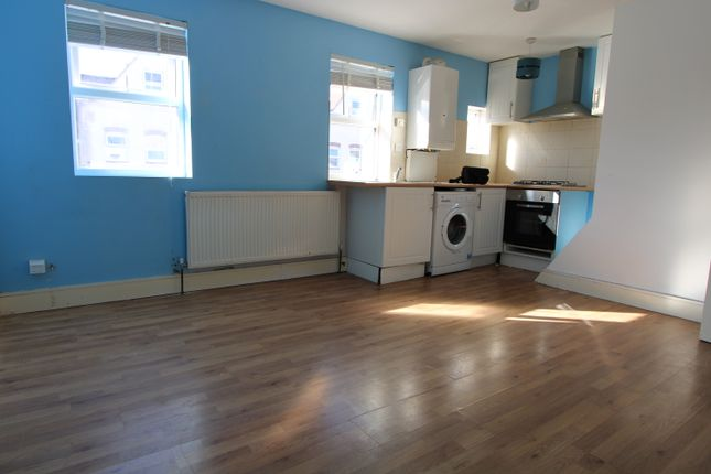 Thumbnail Terraced house to rent in Carshalton Grove, Sutton