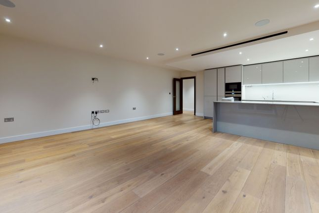 Thumbnail Flat to rent in Golding House, London