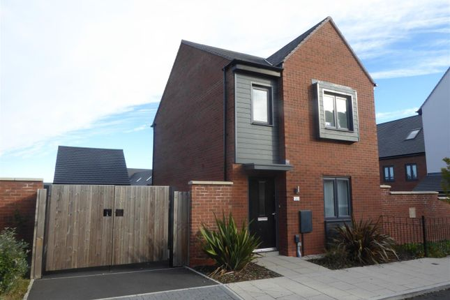 Thumbnail Detached house for sale in The Foxholes, Telford