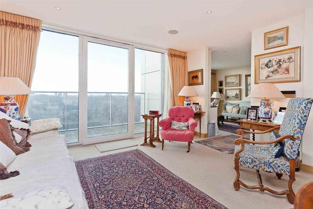 Thumbnail Detached house for sale in Oswald Building, Chelsea Bridge Wharf, London