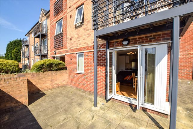 Thumbnail Flat for sale in Bridgepoint Court, 125 Old Watford Road, St. Albans, Hertfordshire