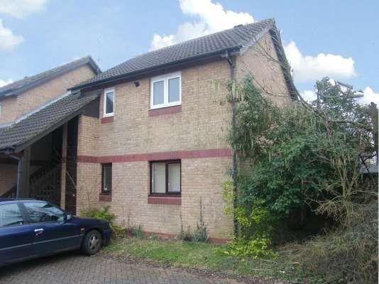 Thumbnail Flat to rent in Swallowfield, Werrington, Peterborough