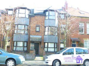 Thumbnail Flat to rent in Linden Road, Gosforth, Newcastle Upon Tyne