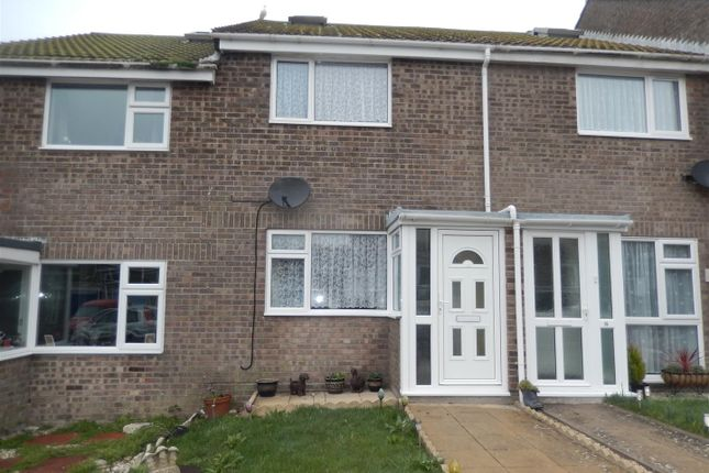 2 bed property to rent in Headland Close, Portland DT5