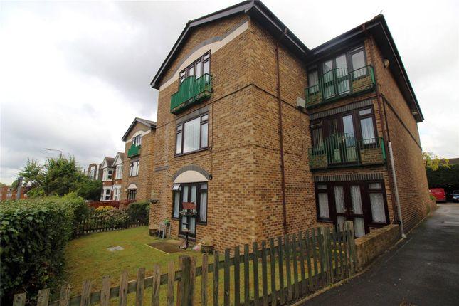 Thumbnail Studio to rent in Hadlow Road, Sidcup, Kent