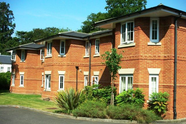 2 bed flat to rent in London Road, Sunningdale, Ascot