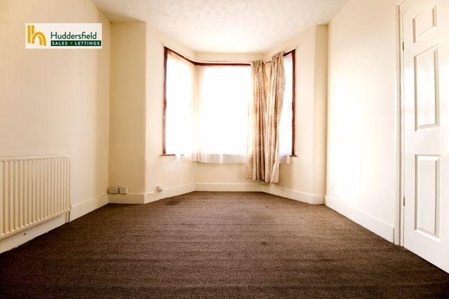 1 bed flat to rent in Kensington Gardens, Cranbrook, Ilford IG1