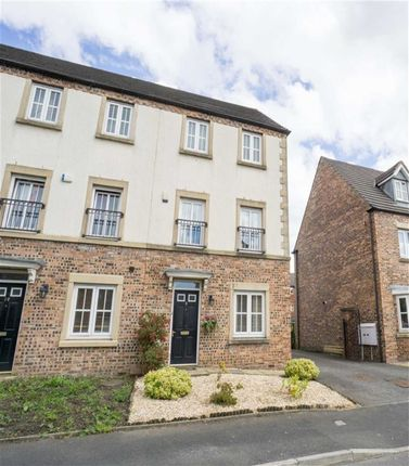 4 bed town house for sale in Anderby Walk, Westhoughton, Bolton