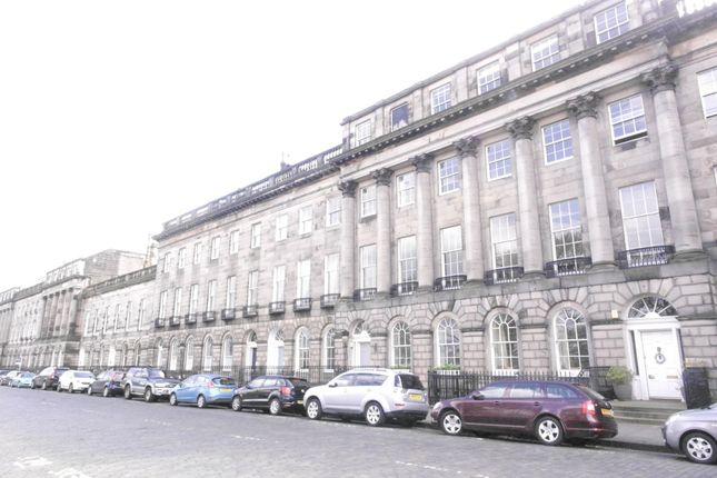 Thumbnail Flat to rent in Royal Terrace, Edinburgh