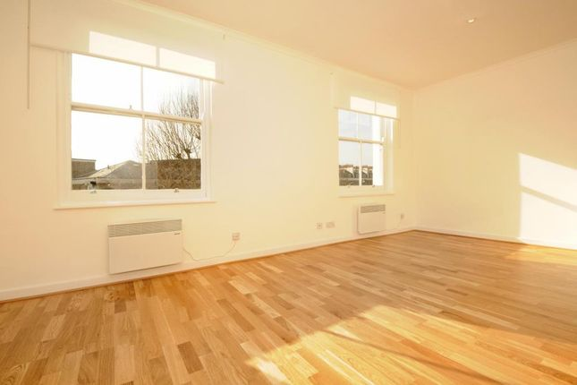 Flat to rent in Orsett Terrace, Bayswater